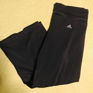 🏃🏻‍♀️Adidas Ladies Workout Capris Size Small